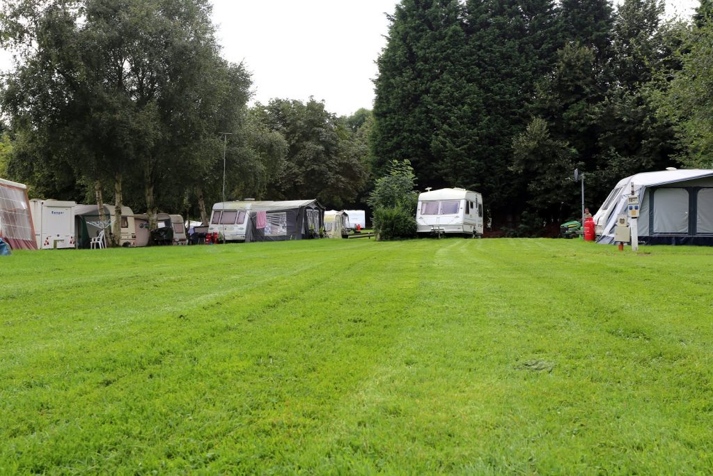 Cheap Caravan Site Disley